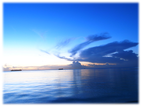 081027_tricolor_Saipan.jpg