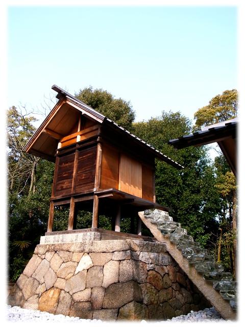 100515_Naoshima_Gooujinjya-04.jpg