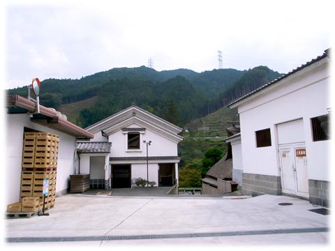 121010_Sawanoi_sakagura-07.jpg