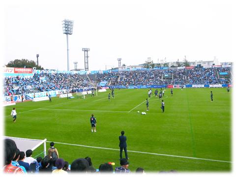 131106_football_game_yokohama.jpg